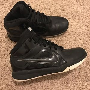 Nike Shoes - Black nike basketball sneakers